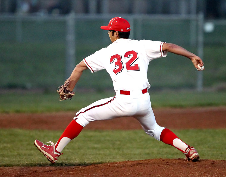 Baseball: Balers win final two games of VC tourney