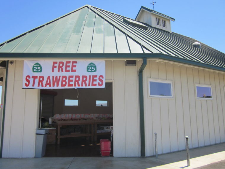 Market 25 fruit stand holds grand opening