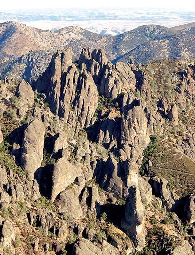3.4 magnitude earthquake strikes northeast of Pinnacles